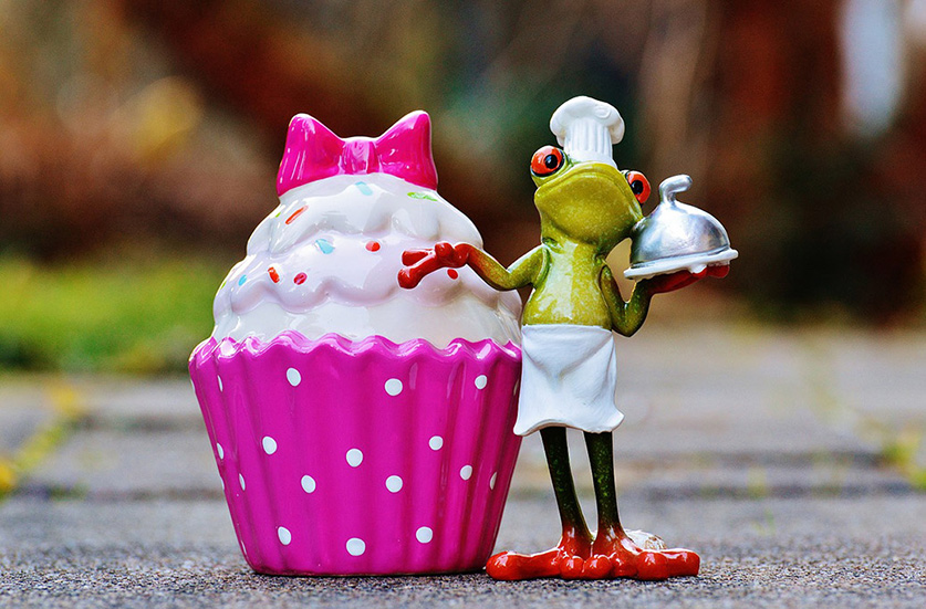 Frog Standing with Strawberry Cream Cup Cake